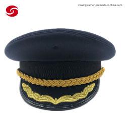 Mão fez Rua Tweed usar uniforme oficial de grau atingido o hat
