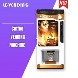3杯の熱い飲み物が付いているインスタントコーヒーの自動販売機