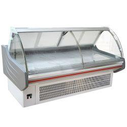 到着の商業Enfriadoraのスーパーマーケット肉スリラーによって曲げられるガラスのデリカテッセンのカウンター