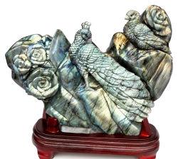 Labradorite Semi-Prercious sculptés à la main, Peacock sculpture de pierre précieuse (N69)