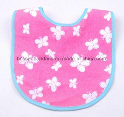 工場OEMの農産物はロゴによって印刷された綿のテリーのピンクの赤ん坊の唾液タオルをカスタマイズした