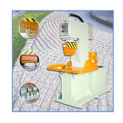 石(P90)を立方体にするために玉石を舗装する大理石の花こう岩を作る油圧石の分割された機械
