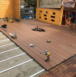 Engineered Flooring Engineering Tablier de plancher de bois composite en plastique