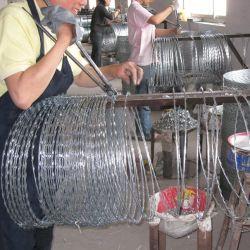 Alambre de hierro galvanizado en caliente de cerco de malla de material de construcción de rollo