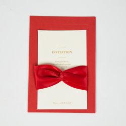Venda por grosso de cartões de Convite de Casamento Vermelho Ouro Luxury Design com uma decoração personalizada de fita fontes de terceiros