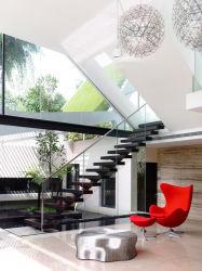 Residencial moderna escalera recta con pasamanos de la pared de cristal templado