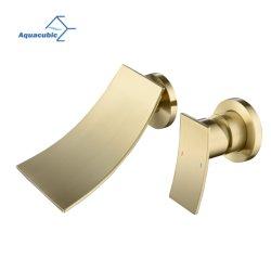 Aquacubic wandkraan voor de badkamer met tapkraan met één handvat en een klapkraan Met gouden lange tuit
