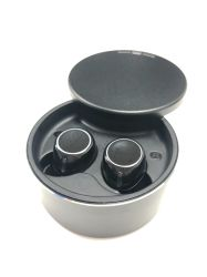 True беспроводные наушники Bluetooth, зарядки и поверните крышку, черного цвета