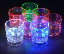 Hot Selling Party utilisé Flashing LED Light Beer Cup