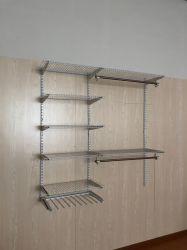 Sistema allungabile dell'armadio del guardaroba della scaffalatura del nastro metallico