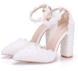 Белые кружева женщин Свадебный букет невесты High-Heeled сандалии обувь