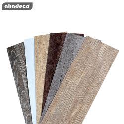 Akadeco barato direto de fábrica personalizada de vendas e auto-adesivo espuma plástica 2D Simulação de grãos de madeira vinil PVC revestimento de piso piso em mosaico