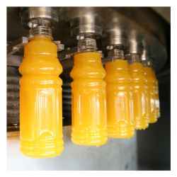 びん詰めにするキャッピングを洗う1杯のフルオートマチックペットプラスチックびんの無菌飲料の飲み物に付き3杯生産ライン要された熱いフルーツジュースの充填機を処理する