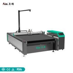 Aol avec appareil photo de la machine en cuir de coupe