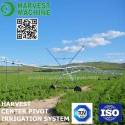 Impianto di irrigazione concentrare del perno dell'azienda agricola con il generatore diesel