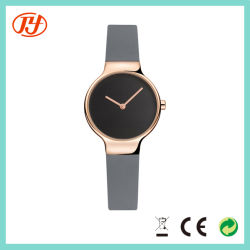 تصميم فريد ساعة يد فاخرة فاخرة للسيدات بسعر ومقاوم للماء في المصنع
