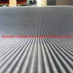 Meilleures ventes côtes fines douce ondulé antiglisse Commercial et la sécurité industrielle caoutchouc Tapis de plancher/feuille