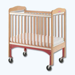 خشبيّة يهزّز طفلة جو سرير مع 4 عجلات ([وج278353])