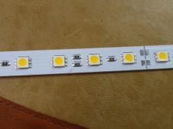 Le SMD5050 SMD LED Haute luminosité3528 Barre en aluminium léger Strip Light rigide