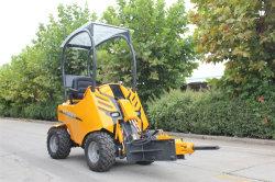 Hysoon Mini chargeuse à direction à glissement de roue Hy200 Jardin électrique comme chargeur Dy620