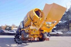 De zelf Vrachtwagen van de Concrete Mixer van de Vultrechter van de Lading Hydraulische met de Output van de Capaciteit van de Meter van 1.6 Kubus