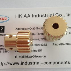 Le laiton /engrenage cylindrique de bronze par usinage CNC et le pignon corroyage