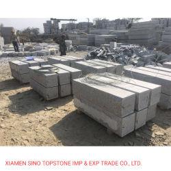 Het lichtgrijze Blok van de Muur van het Graniet van de Steen van de Muur van het Graniet