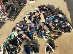 Gemaakt in China In het groot Tianjin de Schoenen van Kleren Markt Gemerkte Tweede Hand gebruikte gebruikte van Schoenen Het Verschepen Termijn