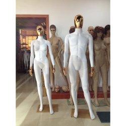 Gouden Hoofd en Handen die de Matte Witte Vrouwelijke Ledenpop van de Vertoning schilderen