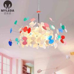 El lujo de metal moderno salón colorido restaurante araña