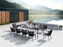 10 PCSのスタック可能椅子のアルミニウム柳細工の屋外のホテルの家具セットが付いている庭の長方形のダイニングテーブル