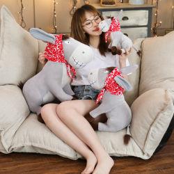Super Bonitinha Plush brinquedos pequenos Donkey Hat lenço vermelho de subprodutos animais