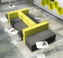 A nova fábrica da estrutura de madeira mobiliário de escritório luminosa e moderna sala de beleza School College University cadeira de couro Otomana Lounge Sofá transversal definido