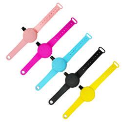 携帯用シリコーンの子供の大人のための詰め替え式の時計バンド液体手のSanitizerのブレスレット