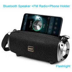 無線Bluetoothのスピーカーの屋外の乗馬懐中電燈が付いている携帯用走行音楽装置