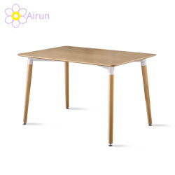 Tabelle pranzanti della mobilia di legno scandinava del ristorante