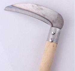 Gradenは木のハンドルが付いている手の切断の鉄の鎌に用具を使う