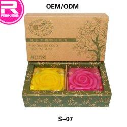 精油の石鹸のハンドメイドの浴用石鹸のローズの自然な石鹸の一定の石鹸のギフト用の箱の透過石鹸