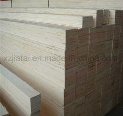 El Álamo o pino LVL y cama de la junta de LVL y palets de madera la madera