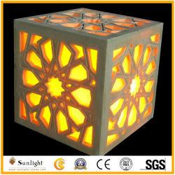 홈 또는 정원 훈장을%s LED 점화를 가진 가벼운 베이지색 사암 기술