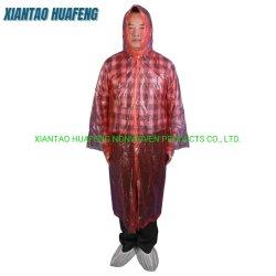 PEのレインコートの使い捨て可能なポンチョのRainwearは防水衣類に着せる