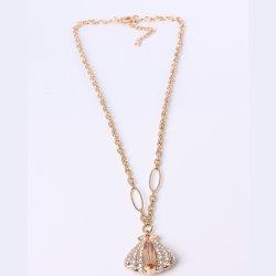 Halskette Mit Goldendem Anhänger Aus Shell-Mode Im Großhandel