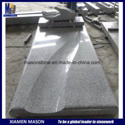 Granite G603에 손을 조각한 Mson France의 맞춤 기념물
