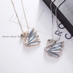 Fashion Swan Swater Chain Charming Collana Crystal Ornamento
