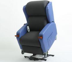 マルチファブリック暖房機能マッサージのリクライニングチェアの上昇の椅子が付いている二重Okinモーター