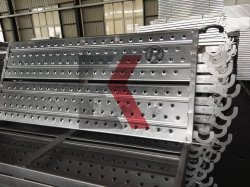 南東に中国の供給の販売のための普及した使用された足場鋼鉄歩行の板のボード