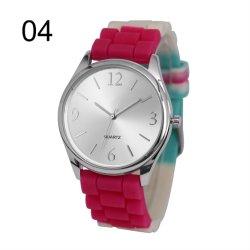 多彩なシリコーンバンド(JY-SI026)が付いている方法水晶腕時計