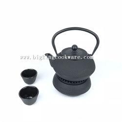Teiera giapponese nera del ghisa con il filtro dal tè