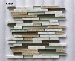 TVの背景の壁のタイルのための装飾的なストリップの組合せのガラス大理石のモザイク