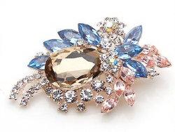 熱い販売の中国の製造者の最もよい価格の雑多は方法宝石類を設計する 女性のための真珠のラインの石が付いている花の Brooch